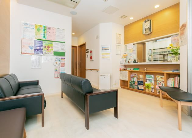 小林内科胃腸科医院(写真1)